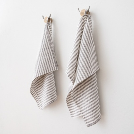 Set Of 2 Graphite Linen Hand Towels Brittany ...