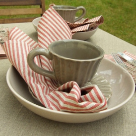 Jazz Red Linen Napkins & Una Tablecloth Natural