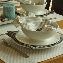 Jazz Napkins and Placemat Beige