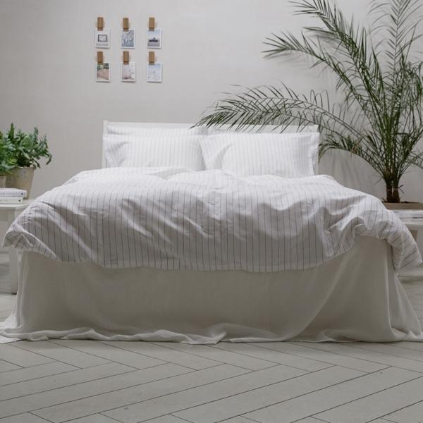 White Duvet Cover 140x200 cm and Pillow