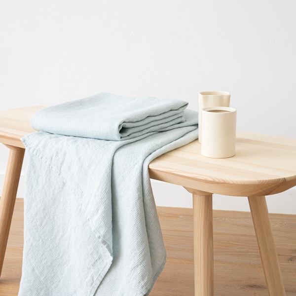 Ice blue linen waffle bath towel washed for Blue lino for bathroom