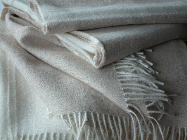 Wool Throws - LinenMe