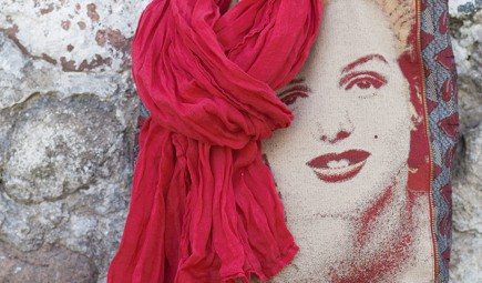red-linen-scarf-linenme