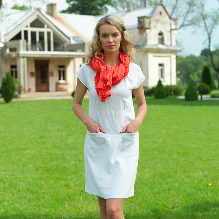 Benefits of wearing linen summer clothes - Linen Dress Emma - LinenMe