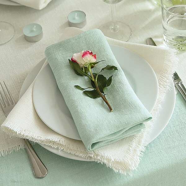 summer table linens - table settings