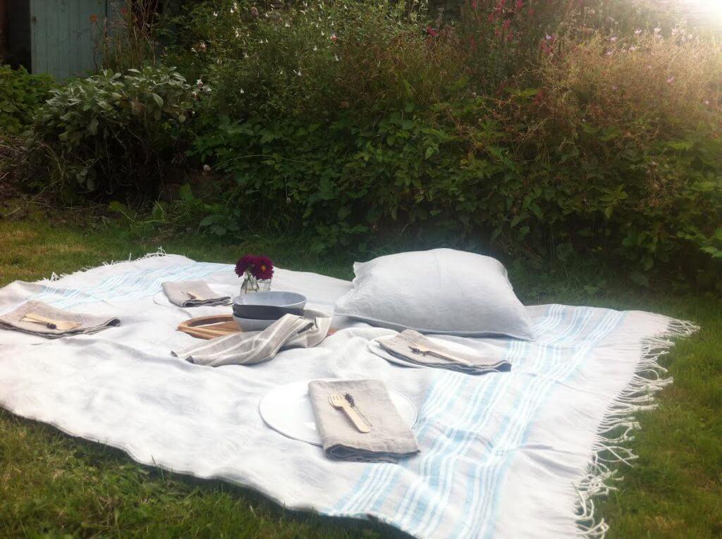 garden picnic linen