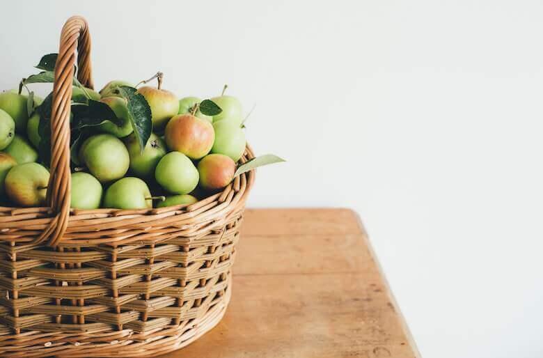 Apples - seasonal recipes - LinenMe