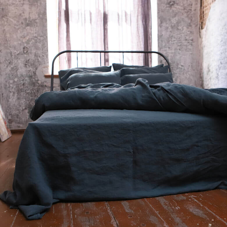 making the bed - LinenMe