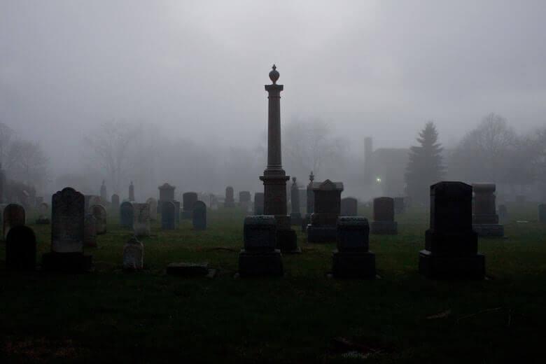 cemetery-halloween-alternative