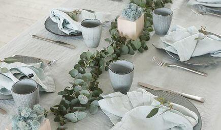 festive table linens