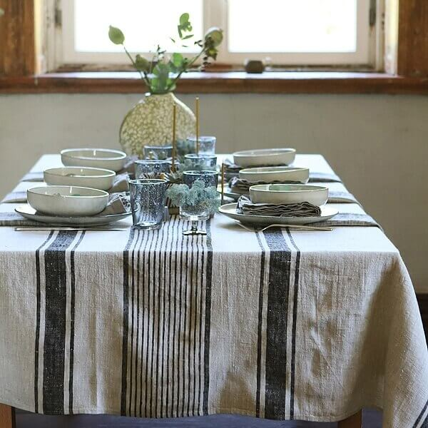 linen tablecloth table setting - Perfect Table
