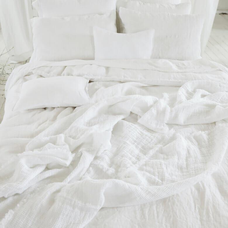 summer white linen bedlinen