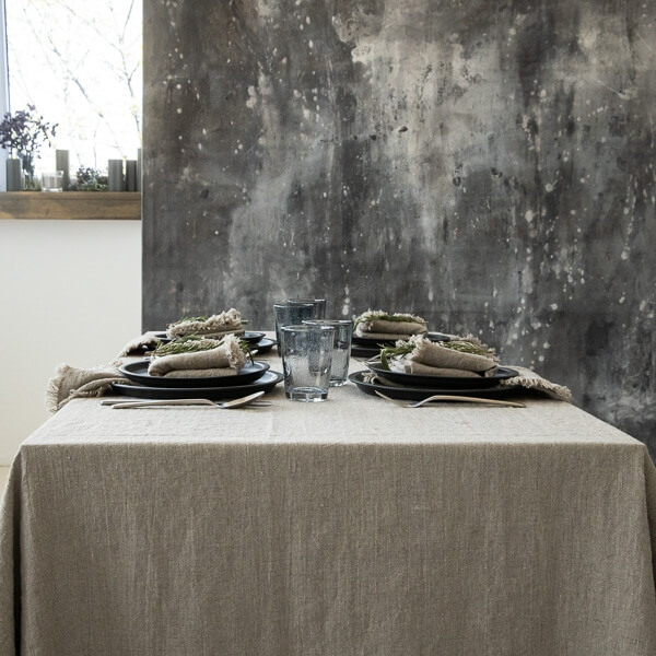 why use a table cloth